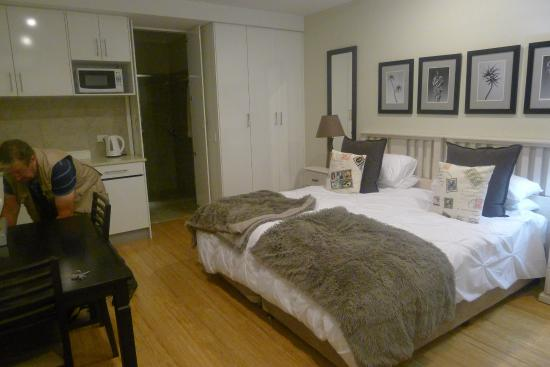 Chapel Woods Bed and Breakfast : la chambre avec coin cuisine