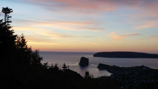 Perce Au Pic de l'Aurore: sunrise photo from rear deck of our motel