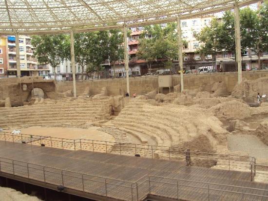 Музей римский театр - Picture of Museo del Teatro Romano de Caesaraugusta, Za...