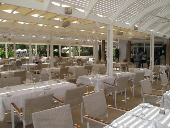 Sunrise Beach Hotel: Restaurant