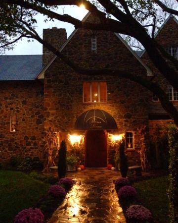 Casanova, VA: main entrance to the restaurant