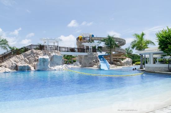 BilaoSulit Picture of Aquaria Water Park Calatagan TripAdvisor