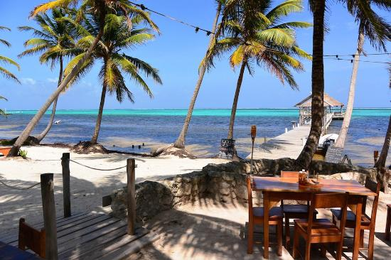 Ak'bol Yoga Retreat & Eco-Resort: Spiaggia