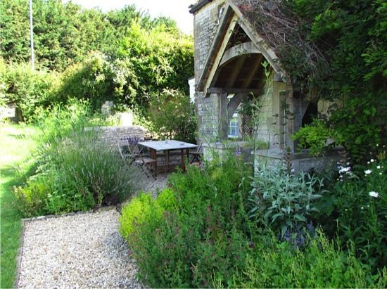 Farmborough, UK: School Cottages Bath