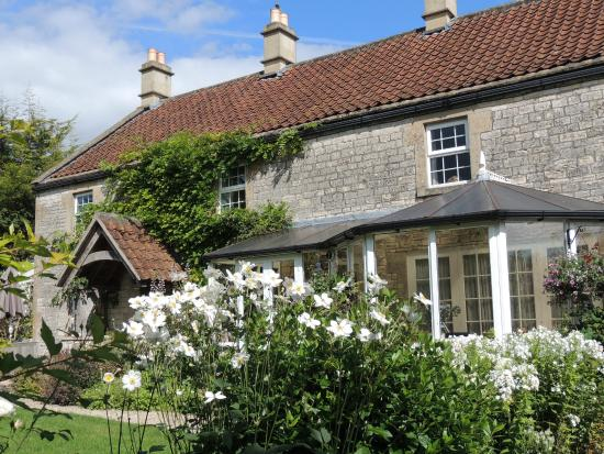 Farmborough, UK: School Cottages Breakfast and Self-catering, Bath