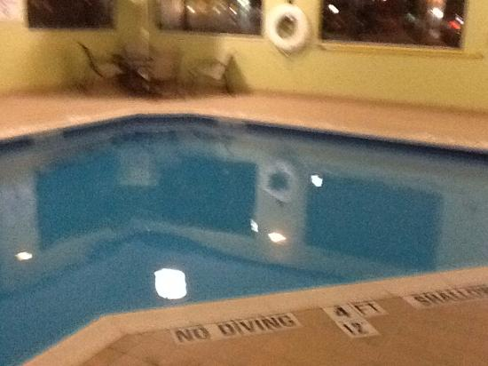 Pool at the hotel - Picture of Holiday Inn Express ...