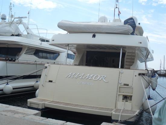 Boat envy!: Loadsa money!