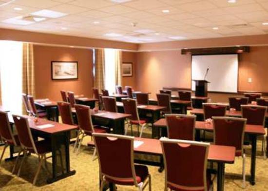 Hampton Inn & Suites Poughkeepsie: Meeting Room