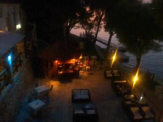 Milna, Croacia: Bar