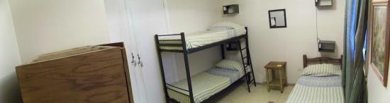 Punto Urbano Hostel: 3 beds Dorm