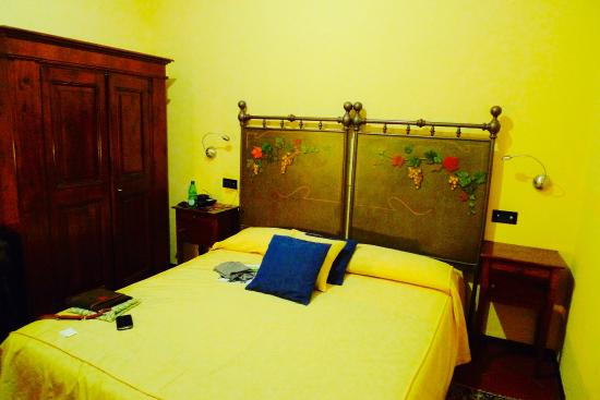 Hotel Albergo Regina: One of the rooms
