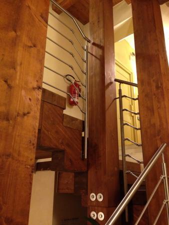 Hotel Antiche Mura : Aulasta kerrokseen johtavat portaat