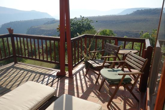 Acra Retreat - Mountain View Lodge - Waterval Boven: African Room veranda