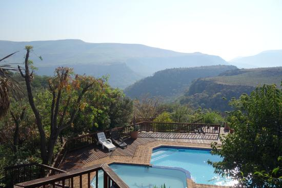 Acra Retreat - Mountain View Lodge - Waterval Boven: The pool as seen from the African Room