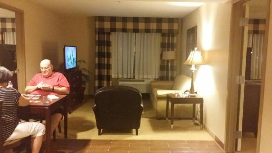 Hilton Garden Inn Albuquerque Airport: ROOMY AND CLEAN