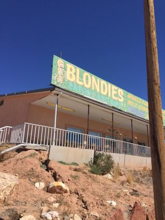 Blondie's Eatery & Gift: Good Eat's