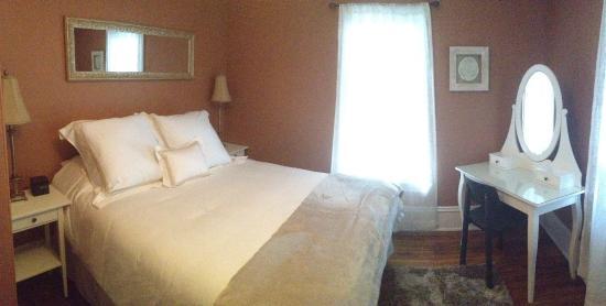 Westport, Kanada: Front Suite Bedroom