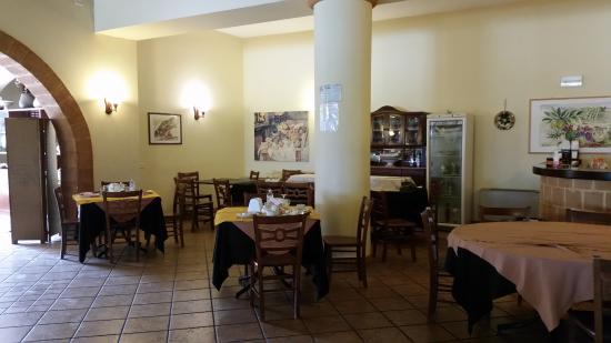 Agriturismo Le Arcate : Restaurant - breakfast room