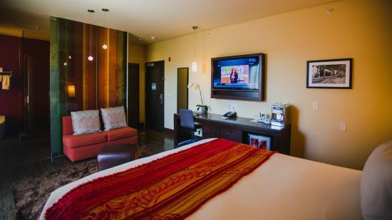 Sirtaj Hotel: Deluxe King Room