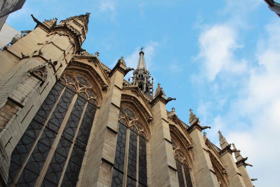 Paris, Frankreich: Gargoyles protecting the chapel