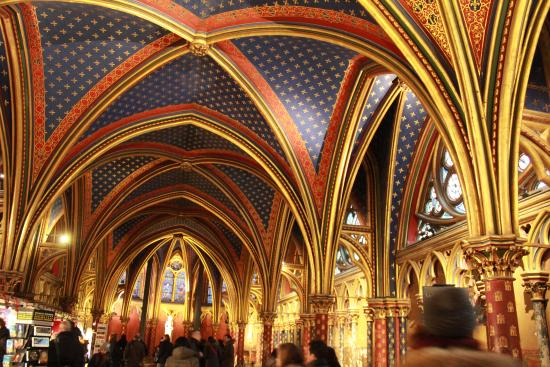 Paris, Frankreich: Lower chapel, ceiling painted with stars