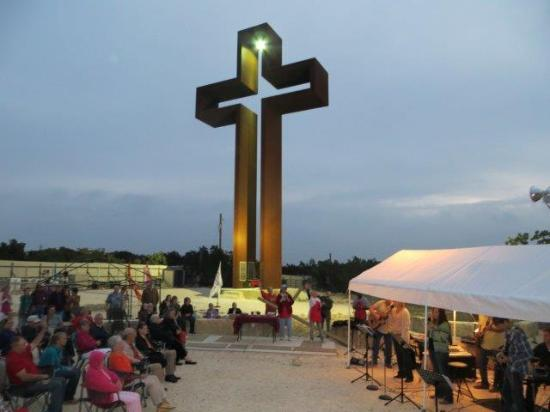 Kerrville, TX: Coming King Foundation Prayer Sculpture Garden