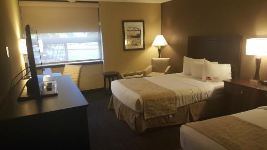 ramada plaza green bay wi hotel anmeldelser. Black Bedroom Furniture Sets. Home Design Ideas