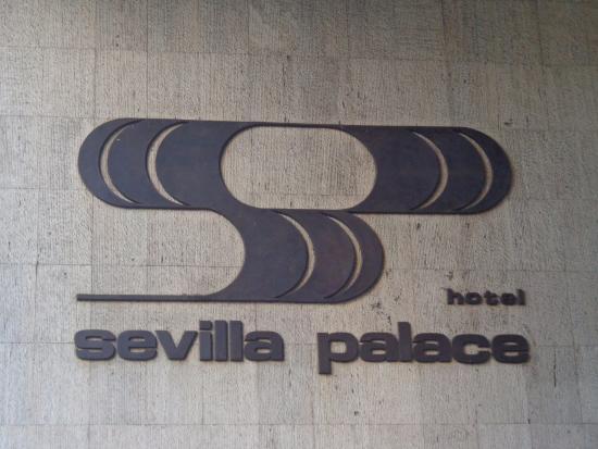 Sevilla Palace: ENtrada