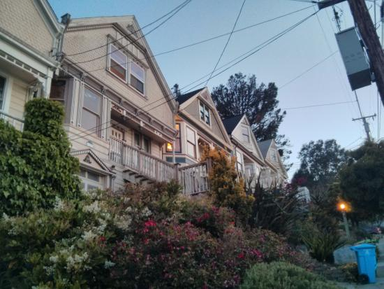 ‪‪Bernalview B&B‬: front side‬