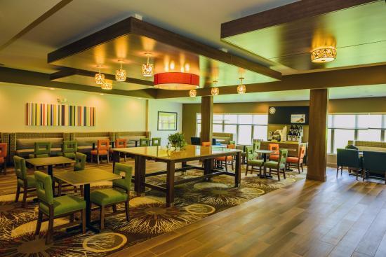 holiday inn express suites jamestown 123 1 5 8. Black Bedroom Furniture Sets. Home Design Ideas