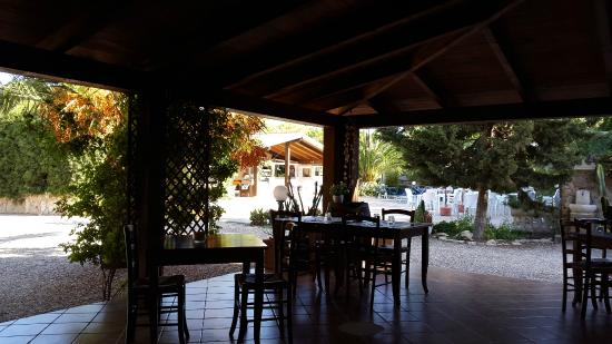 Menhirs Albergo Residenziale: Breakfast area