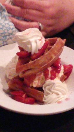 Ballston Spa, NY: Great Salads, Pizza, Desserts & Much More