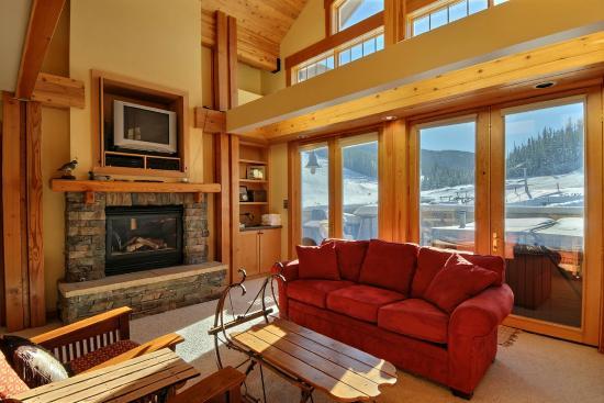 Snowcrest Lodge