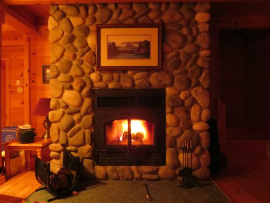 Pugwash, Kanada: Stone fireplace