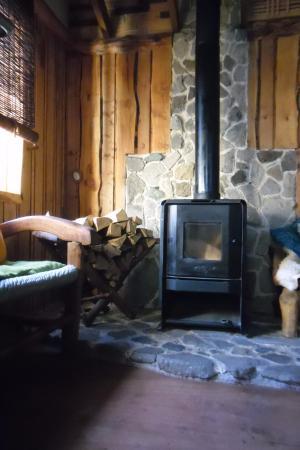 Hostel y Cabanas Augusto Grosse : Estar Cabaña Los Canelos