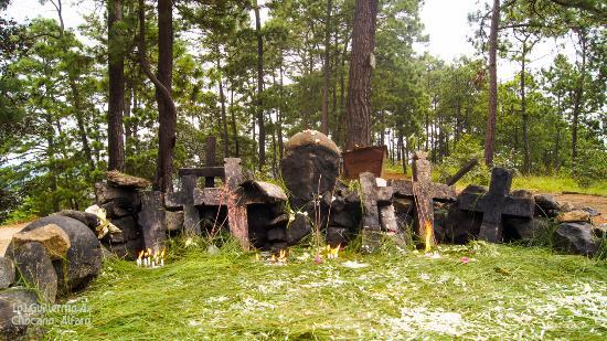 altar de Pascual Abaj, Chichicastenango