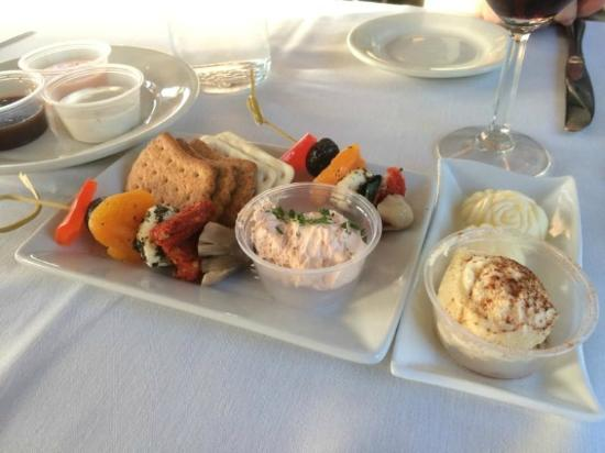 Essex, CT: Appetizer of Crackers and Dip