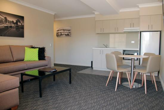 Templers Mill: 1 Bedroom Apartment