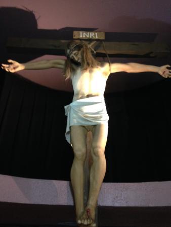 Josephine Tussauds Wax Museum : Up skirt Jesus?