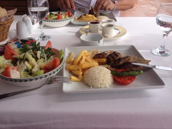 Cinar Hotel: aksam yemegı ıc salonda