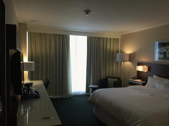 Westin Wall Centre Vancouver Airport: Clean, Comfortable Room
