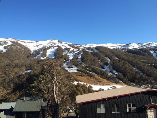 Alpenhorn Lodge: View from balcony