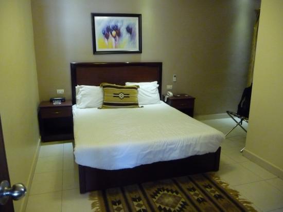 Salome Hotel: chambre double grand lit