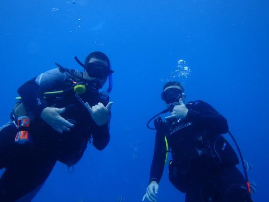 Tyler's Oahu SCUBA