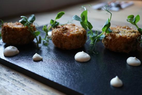 Sidlesham, UK: Smoked haddock fishcake, aioli sauce
