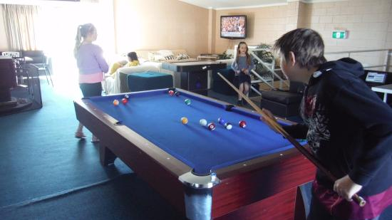 Alpine Resort Motel: Games room pool table