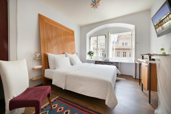 Superior room picture of design hotel neruda prague for Designer hotel prague