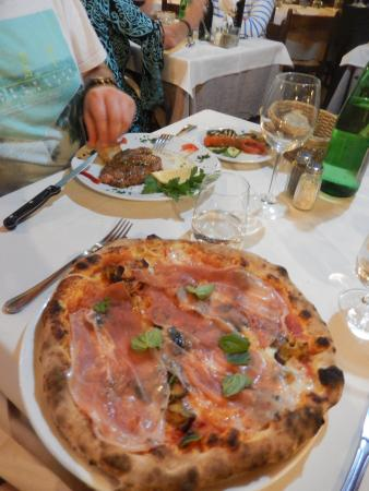 Ristorante Moonlight: Pizza Parma