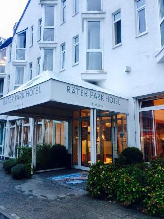 Raeter-Park Hotel: ホテル外観