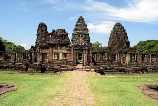 photo1.jpg - Picture of Prasat Hin Phimai (Phimai ...